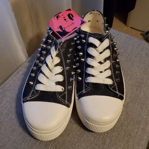 NWT Rock & Candy Women's Spiked Sneakers